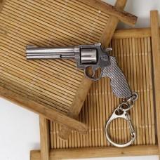 Брелок револьвер