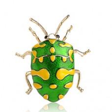 Брошь яркий жук