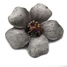Готическая брошь тёмный цветок